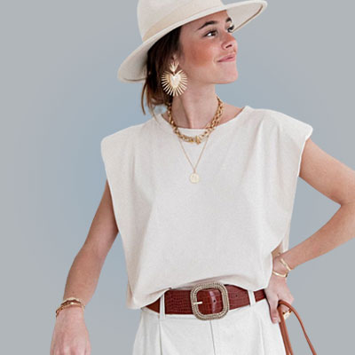 casual white shoulder pad t shirt white pants